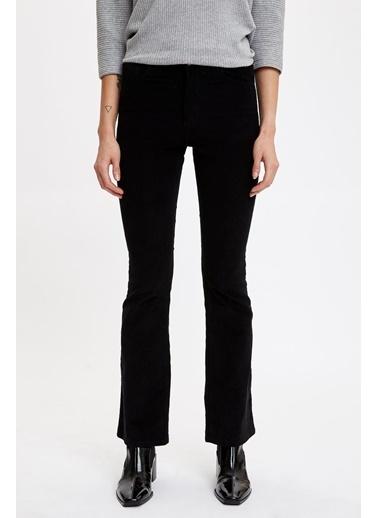 DeFacto İspanyol Paça Slim Fit Dokuma Pantolon Siyah